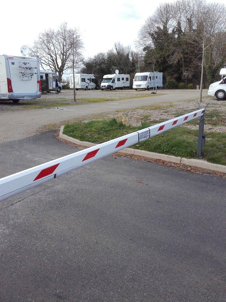 Aire camping-car à Baden (56870) - Photo 3